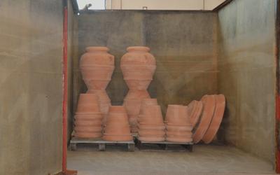 Ciclo produttivo terracotta da giardino: la fase di bagnatura o stagnatura
