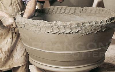 La produzione a Colombino nei vasi di terracotta da giardino