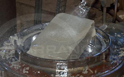 Terracotta prodotta con pressa e stampa in metallo