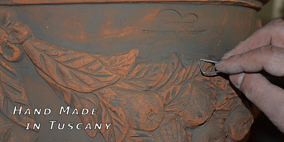 Terracotta fatta a mano, hand made in Italy